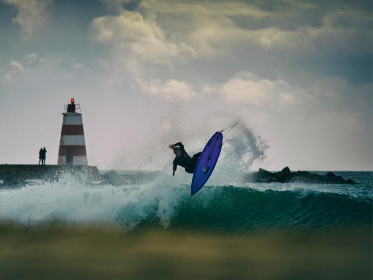marlon lipke pro surfer and entrepreneur surfcareers